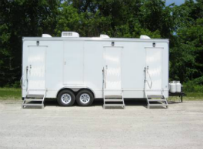 SWT 22 3 Station Shower Trailers Combo Ext