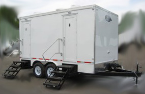 CT 815 PORTABLE RESTROOM TRAILER MODELS EXTIOER
