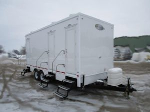 SHOWER TRAILER STALL